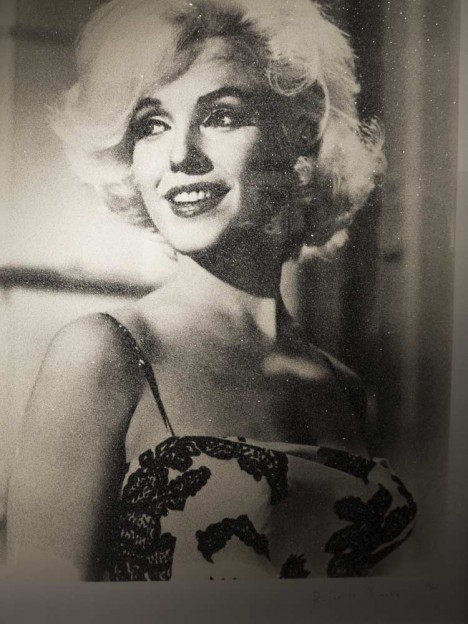 Marilyn-Monroe_enigmatic-legend_Russell-Young_traffic-magazine_3