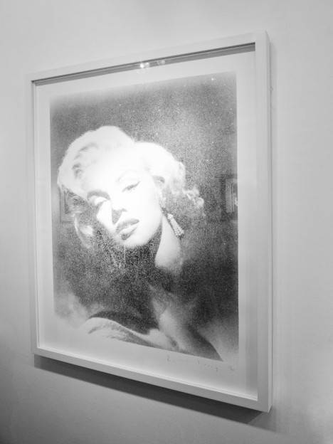Marilyn-Monroe_enigmatic-legend_Russell-Young_traffic-magazine_4bis